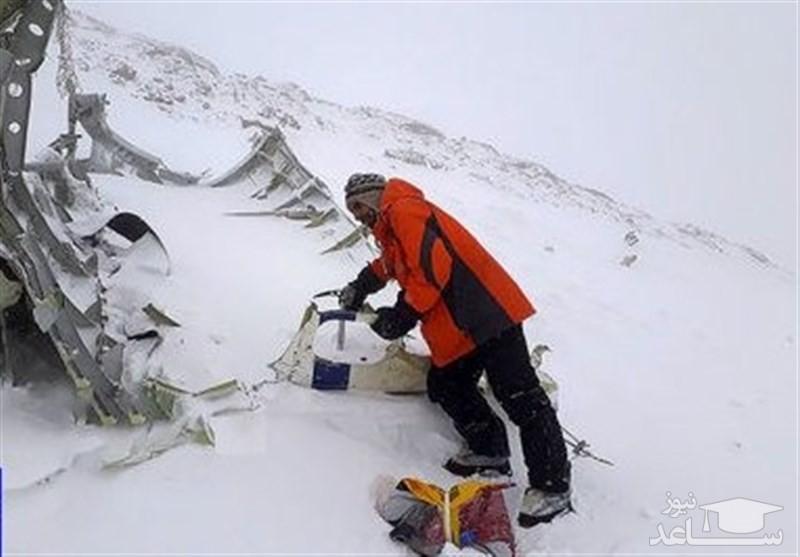 مابقی پیکرهای جانباختگان سانحه هوایی در عمق ۲ تا ۳متری برف مدفون است