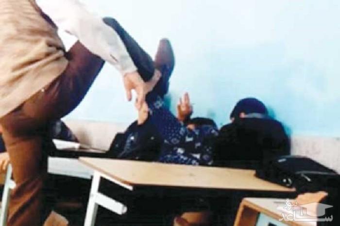 ویدئویی تکاندهنده از تنبیه دختر دبیرستانی توسط معلم!