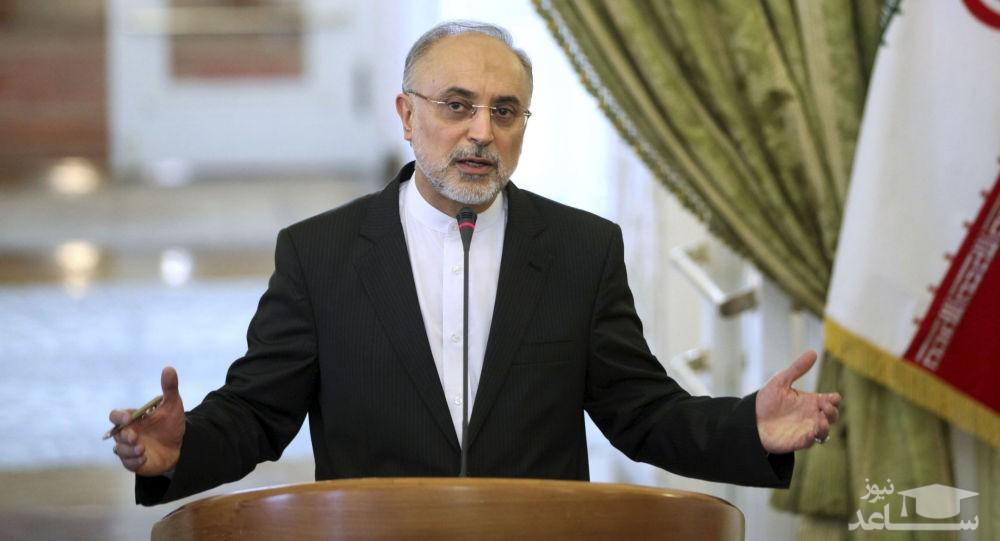 شعارهای توهین آمیز برخی از تندروها علیه علی اکبر صالحی