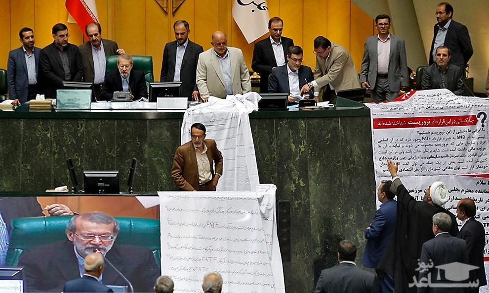 عکسهایی جنجالی از فضای متشنج امروز مجلس