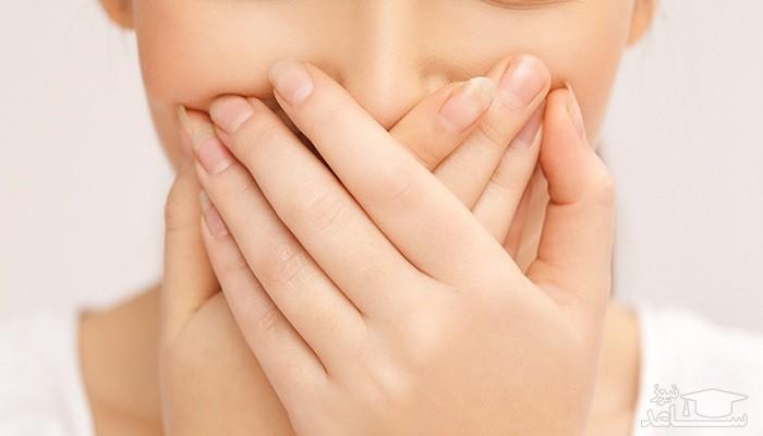 چه بیماری هایی باعث بدبویی دهان میشود؟
