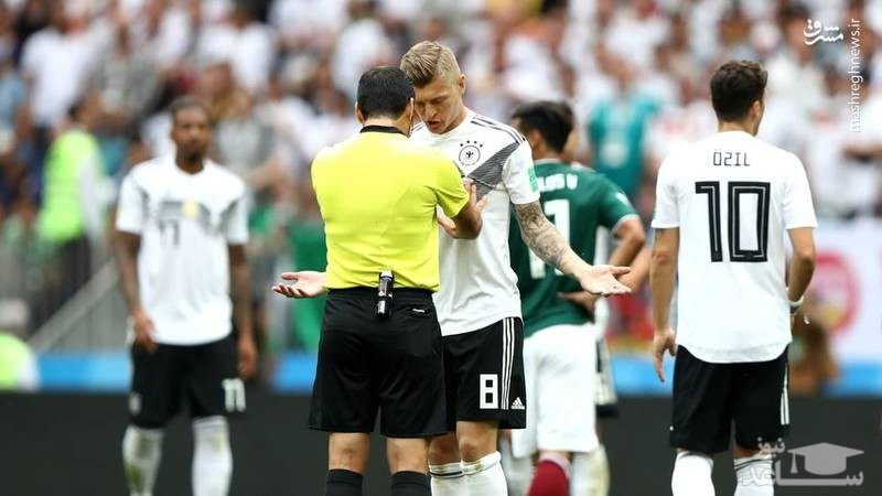 تصویری از هل دادن تونی کروس هافبک تیم آلمان توسط علیرضا فغانی