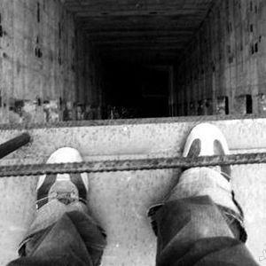 (فیلم) خودکشی دلخراش پسر دانشجو از برج ۱۸۷ متری