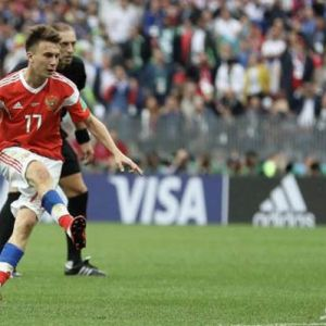 اولین ها به بازیکن روسیه رسید!