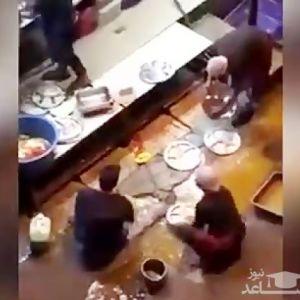 (فیلم) ظرف شستن با آب کثیف در آشپزخانه یک رستوران