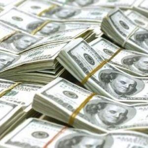(فیلم) دلارهای تقلبی وارد بازار سیاه شد !