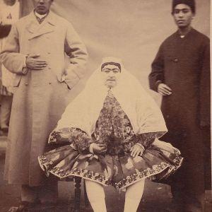 عکسی با ابهت از شکوه السلطنه، همسر عقدی ناصرالدین شاه