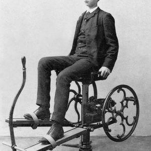 (عکس) اولین دستگاه های بدنسازی جهان مربوط به 200 سال قبل