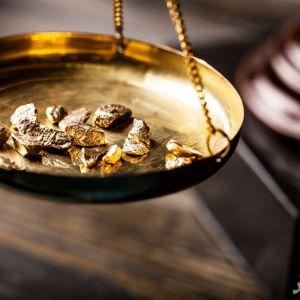 (فیلم) نحوه محاسبه قیمت طلا و جواهر