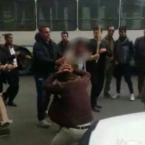 (فیلم) حمله مامور شهرداری تهران به کارگر