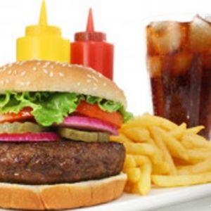 چرا فست فود برای سلامتی بدن بسیار مضر است؟