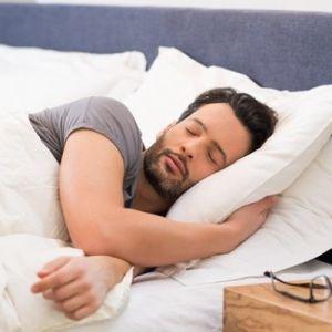 چرا در خواب حرف  و یا فریاد میزنیم؟