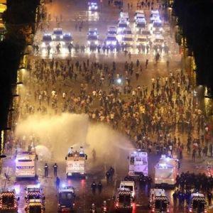 جشن فرانسویها با دو کشته به پایان رسید