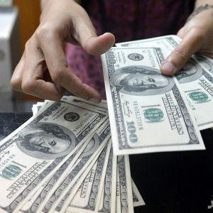 دلار به بالاترین نرخ شش ماهه رسید