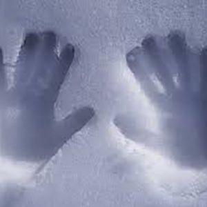 دلایلی که باعث یخ زدن دست ها و پاها میشود؟