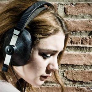 چرا خیلی ها به موسیقی غمگین علاقمند هستند؟