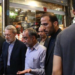 (عکس) حضور رئیس مجلس در بازار تهران