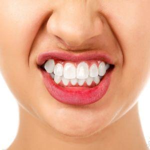 چرا بعضی ها در خواب دندان قروچه دارند؟