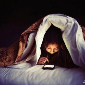 اثرات مضر و مخرب نور موبایل بر چشم !
