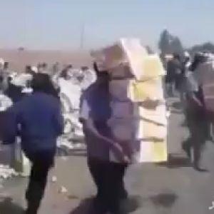 (فیلم) غارت به جای کمک در تصادف اهواز