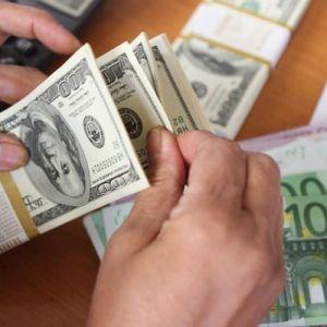 چه کسانی شبها دلار میخرند؟!