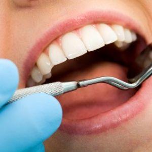 تجمع داوطلبان دستیاری دندانپزشکی مقابل وزارت بهداشت