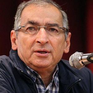 صادق زیباکلام :حمایت وزارت علوم از فرهاد رهبر سیاسی است