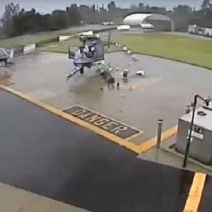 فیلم لحظه برخورد دو بالگرد پلیس آمریکا