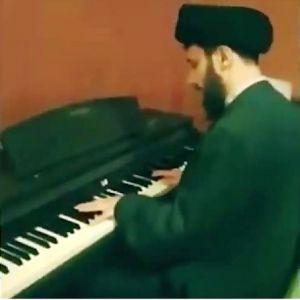 ویدئوی جنجالی پیانو نوازی یک روحانی