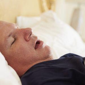 مبتلایان آپنه خواب را چه چیزی تهدید میکند؟