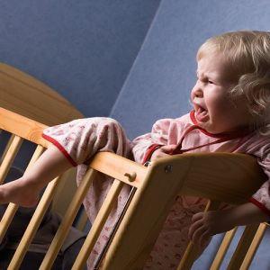 چرا کودکان در خواب جیغ میزنند؟