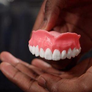 طراحی دندان مصنوعی با خاصیت ترشح داروی ضد قارچ!