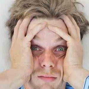 چرا بی خوابی موجب بداخلاقی میشود؟
