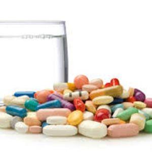 چه داروهایی را نباید همراه غذا خورد؟
