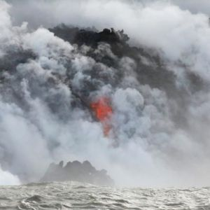 (فیلم) گدازههای آتشفشان وحشتناک هاوایی به اقیانوس رسیدند!