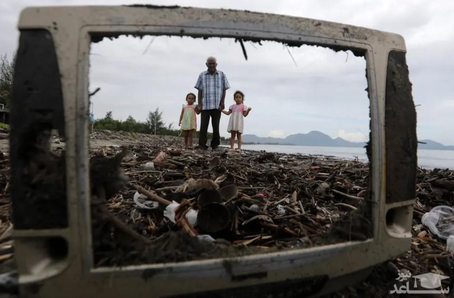 زباله های ریخته شده در ساحل آچه اندونزی