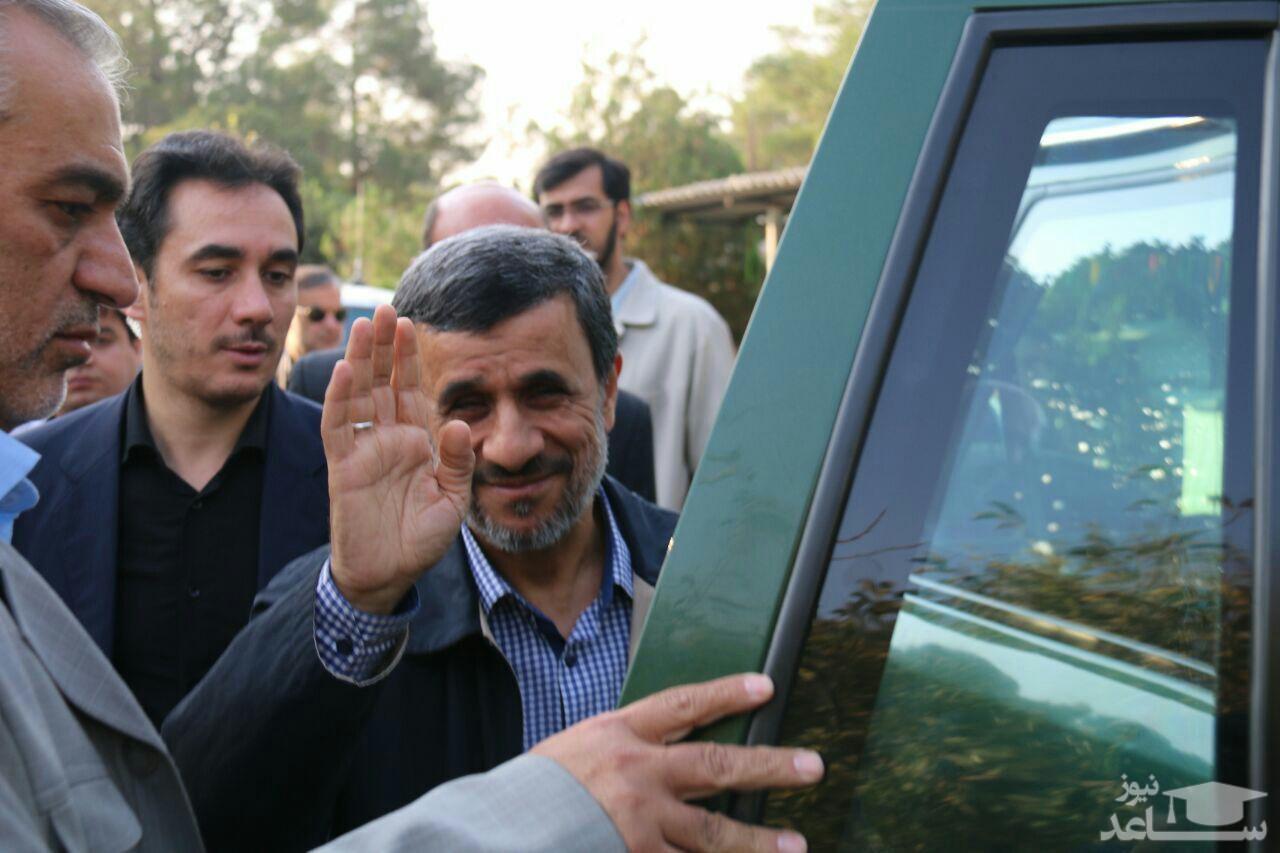 لحظه ورود احمدینژاد به ستاد انتخابات وزارت کشور