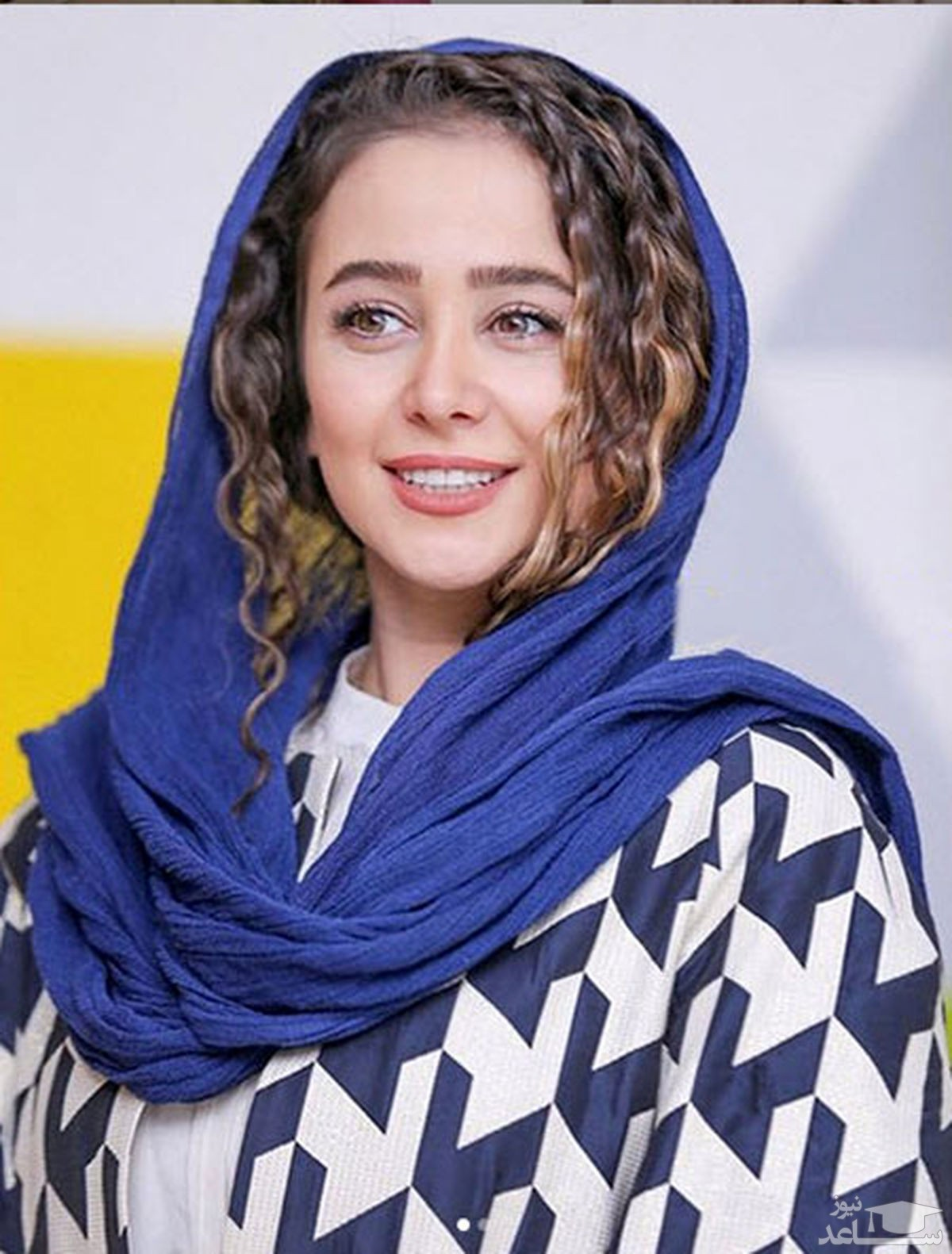 ژست متفاوت الناز حبیبی با لباس محلی