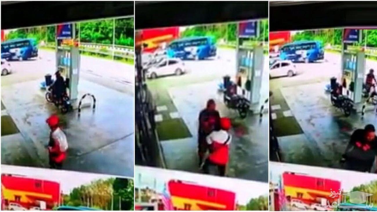(فیلم) رفتار غیراخلاقی یک مرد در پمپ بنزین!