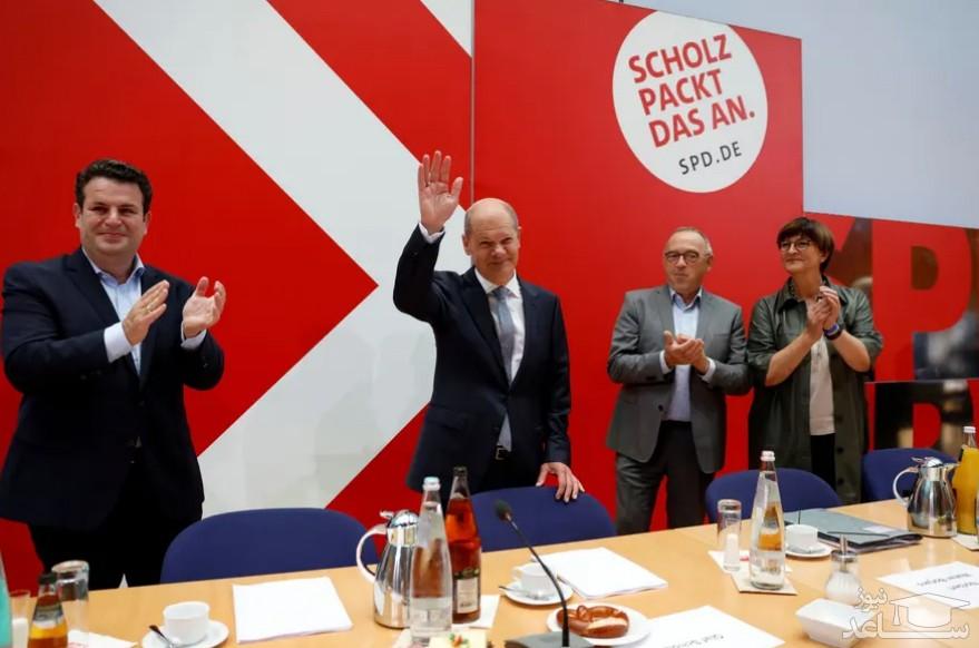 """""""اولاف شولز"""" رهبر حزب سوسیال دموکرات آلمان و نامزد صدراعظمی پس از کسب پیروزی در انتخابات سراسری آلمان/ رویترز"""