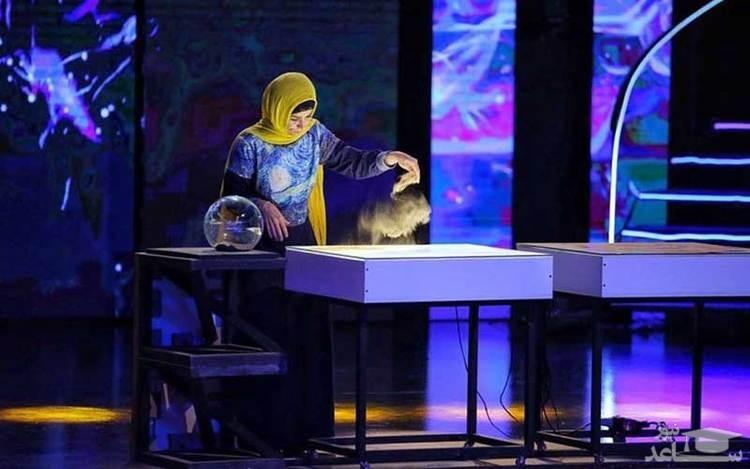 (فیلم) اجرای دیدنی و پر احساس نقاشی با شن فاطمه عبادی در فینال عصر جدید