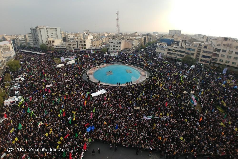 راهپیمایی مردم تهران در محکومیت آشوبهای اخیر/ طنین حمایت از امنیت و نظام اسلامی در میدان انقلاب