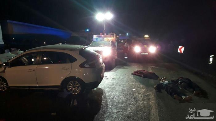 3 جسد در کنار خودروی لاکچری در جاده قزوین-رشت + عکس