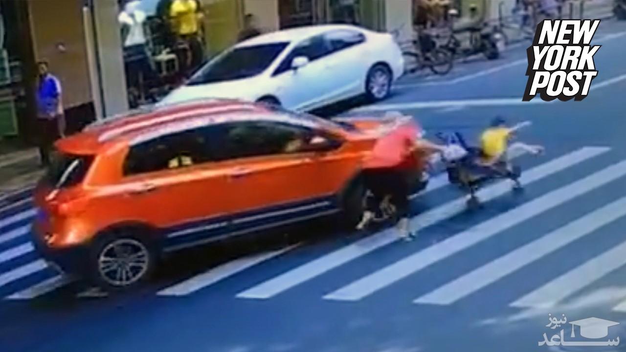 (فیلم) برخورد خودروی شاسی بلند با کالسکه بچه