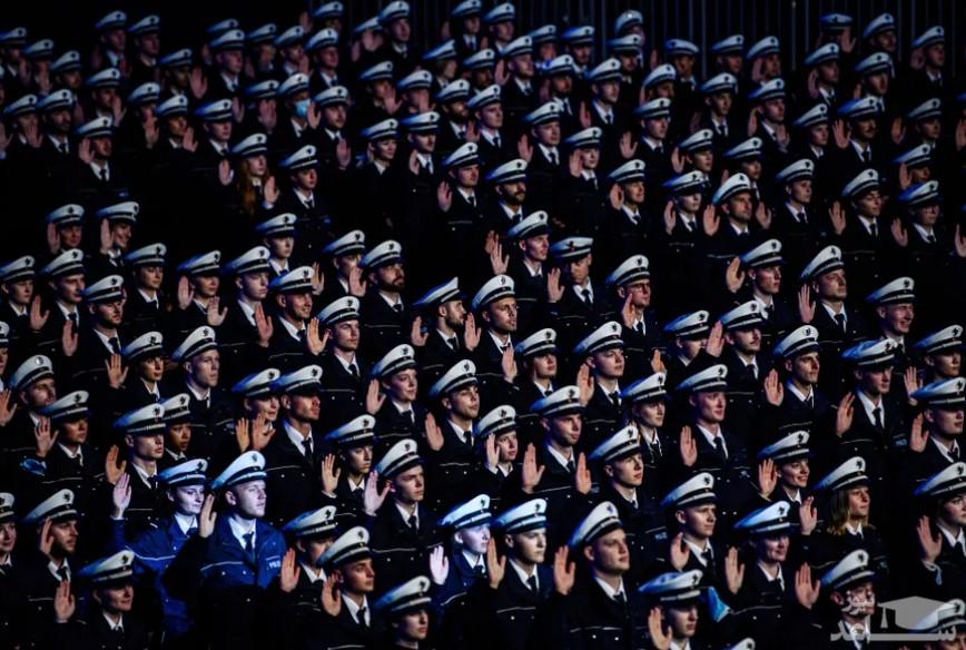 جشن فارغ التحصیلی نیروهای آکادمی پلیس آلمان در شهر کلن/ گتی ایمجز