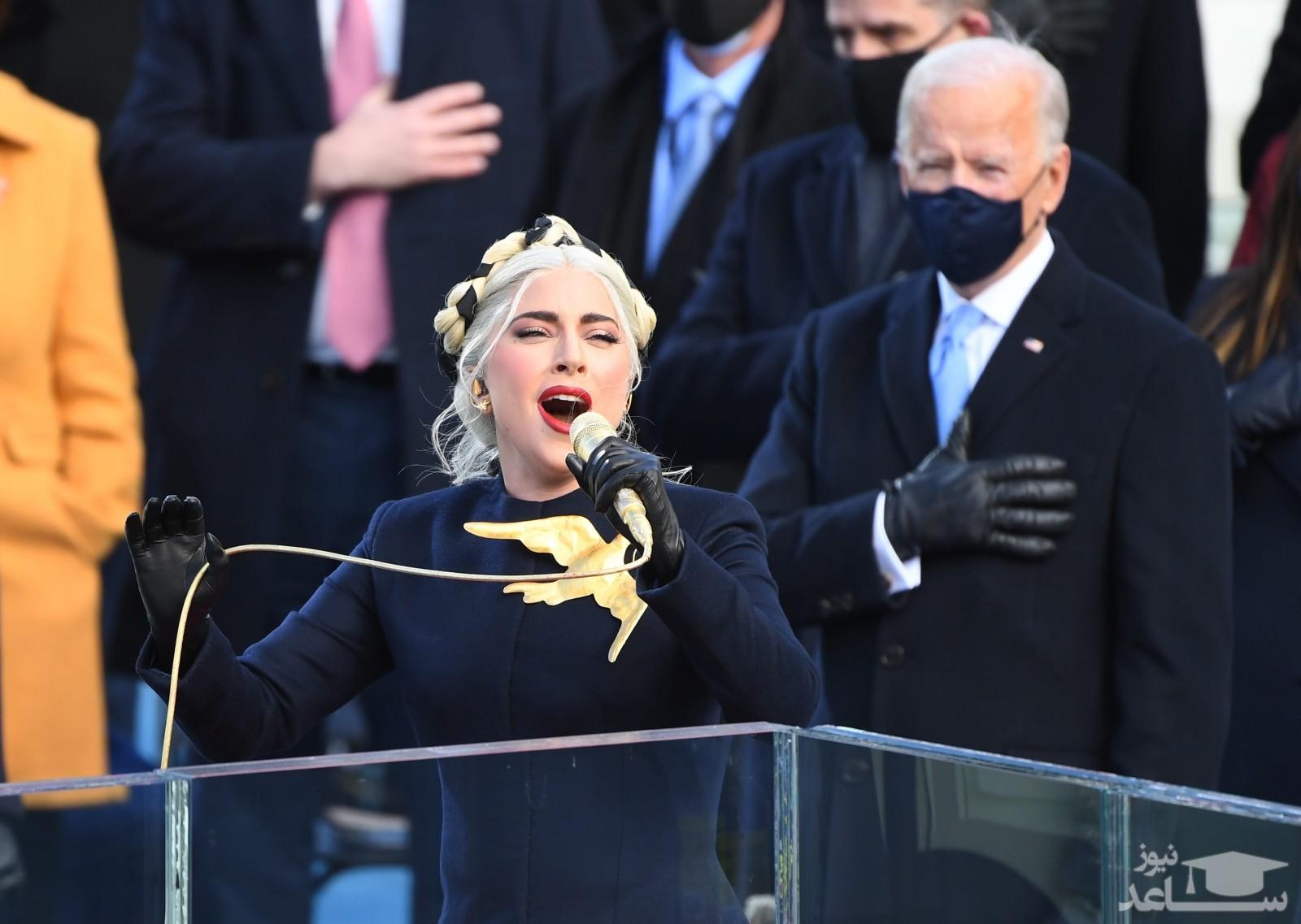فیلم اجرای سرود ملی آمریکا توسط لیدی گاگا در مراسم تحلیف پرزیدنت بایدن