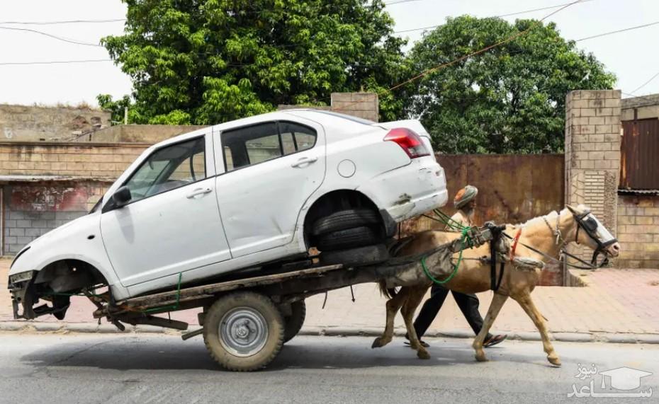 انتقال یک خودرو به تعمیرگاه