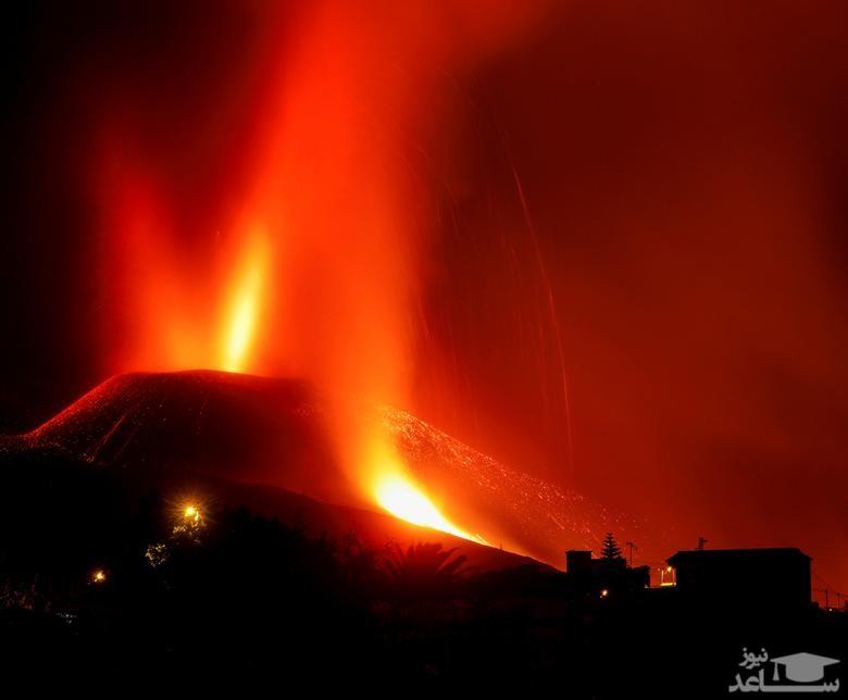 """فعالیت آتشفشان در جزیره """"لاپالما"""" درمجمع الجزایر قناری اسپانیا/ رویترز"""
