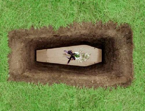 (فیلم) مراسم خاکسپاری عجیب خانواده متوفی سوژه شد
