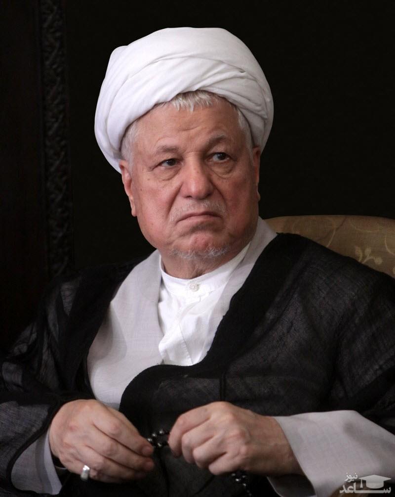 (فیلم) سانسور عجیب تصاویر مرحوم هاشمی رفسنجانی در برنامه تلویزیونی